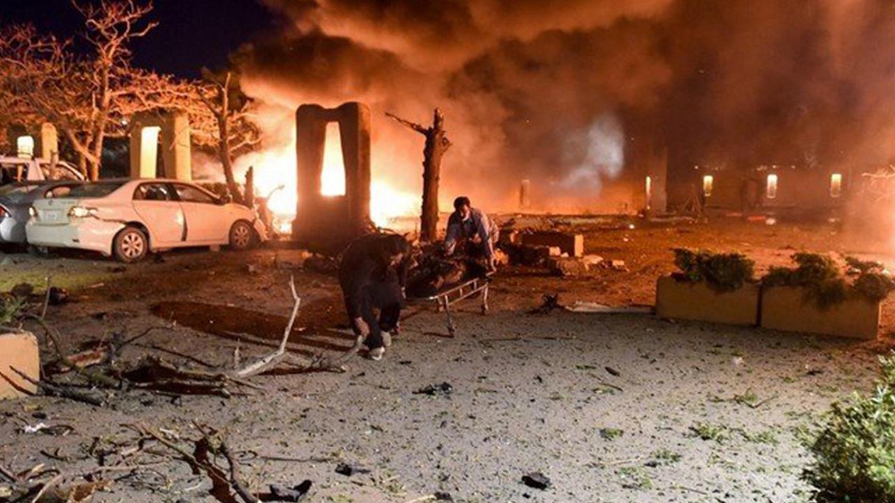 Pakistan'da otel otoparkında patlama: 3 ölü, 13 yaralı