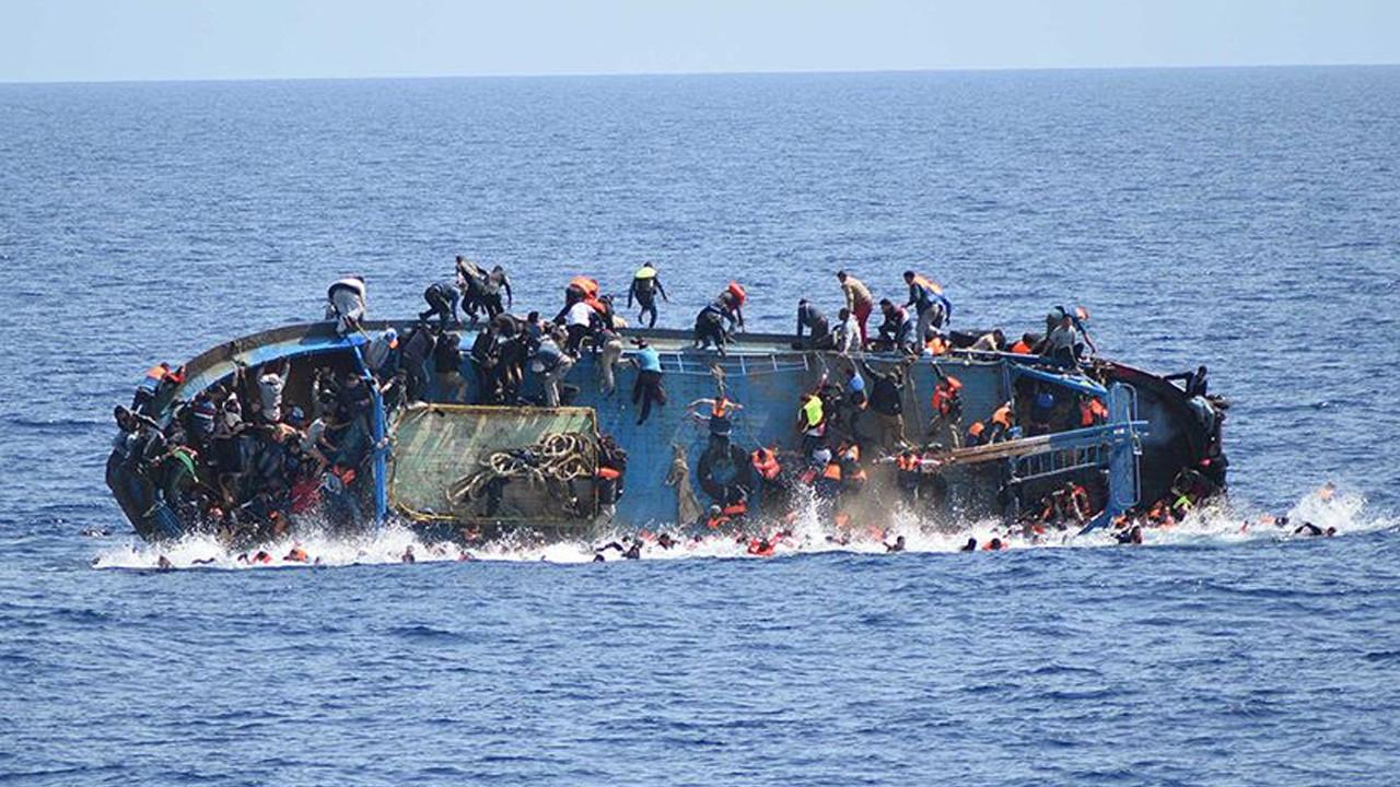 Akdeniz'de göçmen faciası; En az 100 kişi yaşamını yitirdi