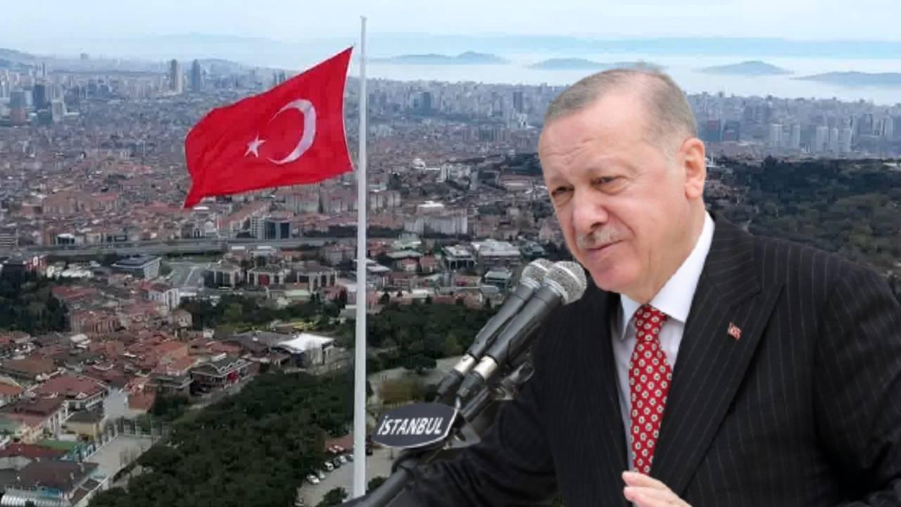 Çamlıca Tepesi'ne dev Türk Bayrağı göndere çekildi!