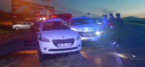 Adıyaman'da iki otomobil çarpıştı: 1 ölü, 2 yaralı - Sayfa 1
