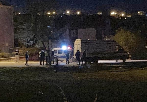 Hafif ticari araç motosikletle çarpıştı: 3 ölü, 1 yaralı - Sayfa 1