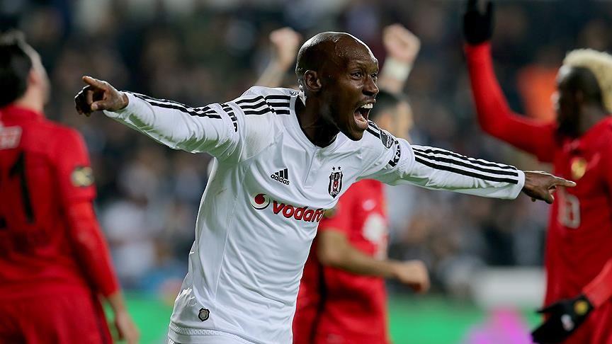 Beşiktaş'a Atiba Hutchinson'dan kötü haber - Sayfa 1