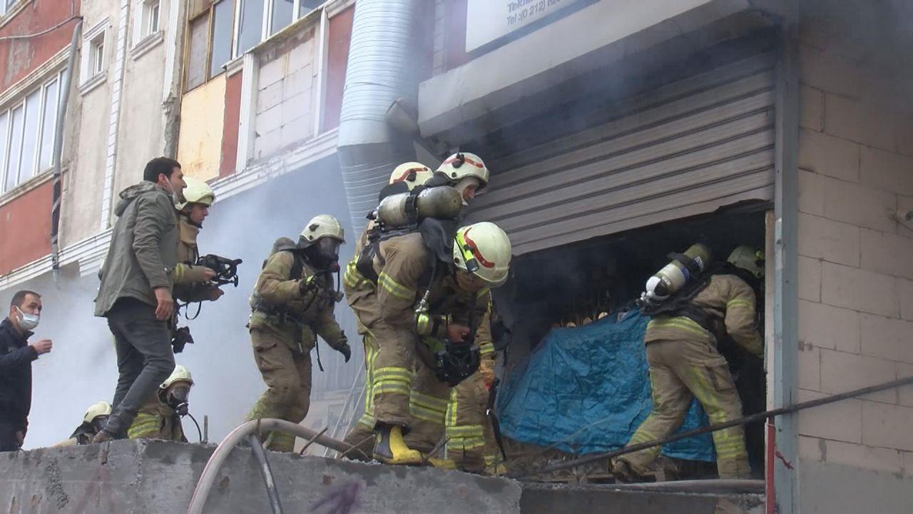 Arnavutköy'de yangın! 3 kişi yaşamını yitirdi - Sayfa 3