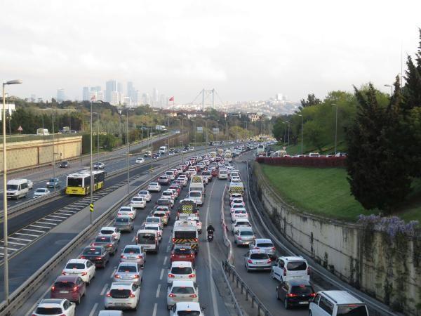 82 saatlik kısıtlama sonrası İstanbul'da trafik yoğunluğu - Sayfa 3