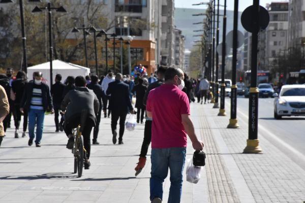 Sivas'ta 18 günlük kısıtlama öncesi yoğunluk - Sayfa 1