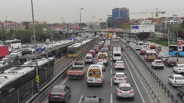 Tam kapanma öncesi İstanbul'dan kaçış; Yoğunluk yüzde 80'i aştı - Sayfa 4