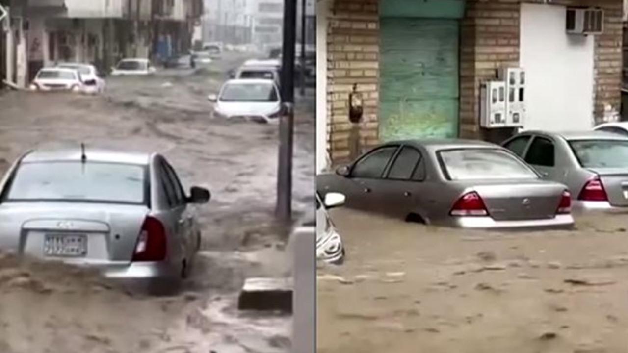 Mekke'de şiddetli yağışlar sele neden oldu