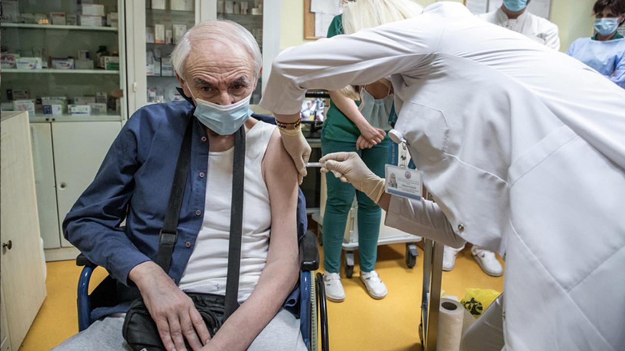 Bir kişiye 5 doz korona aşısı yaptılar