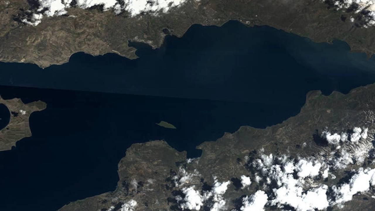 MSB'den Van Gölü paylaşımı: Uzaydan selamlıyoruz!