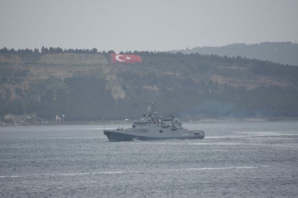 Rus savaş gemisi Çanakkale Boğazı'ndan geçti - Sayfa 3