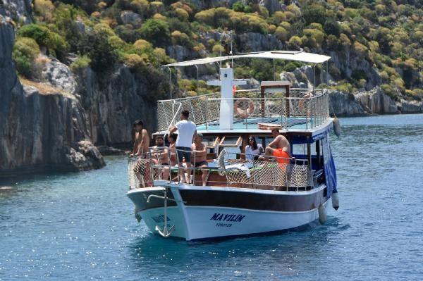 Yatlar Akdeniz'in mavi sularıyla buluştu; Ukraynalı turistler Kekova turunda - Sayfa 4