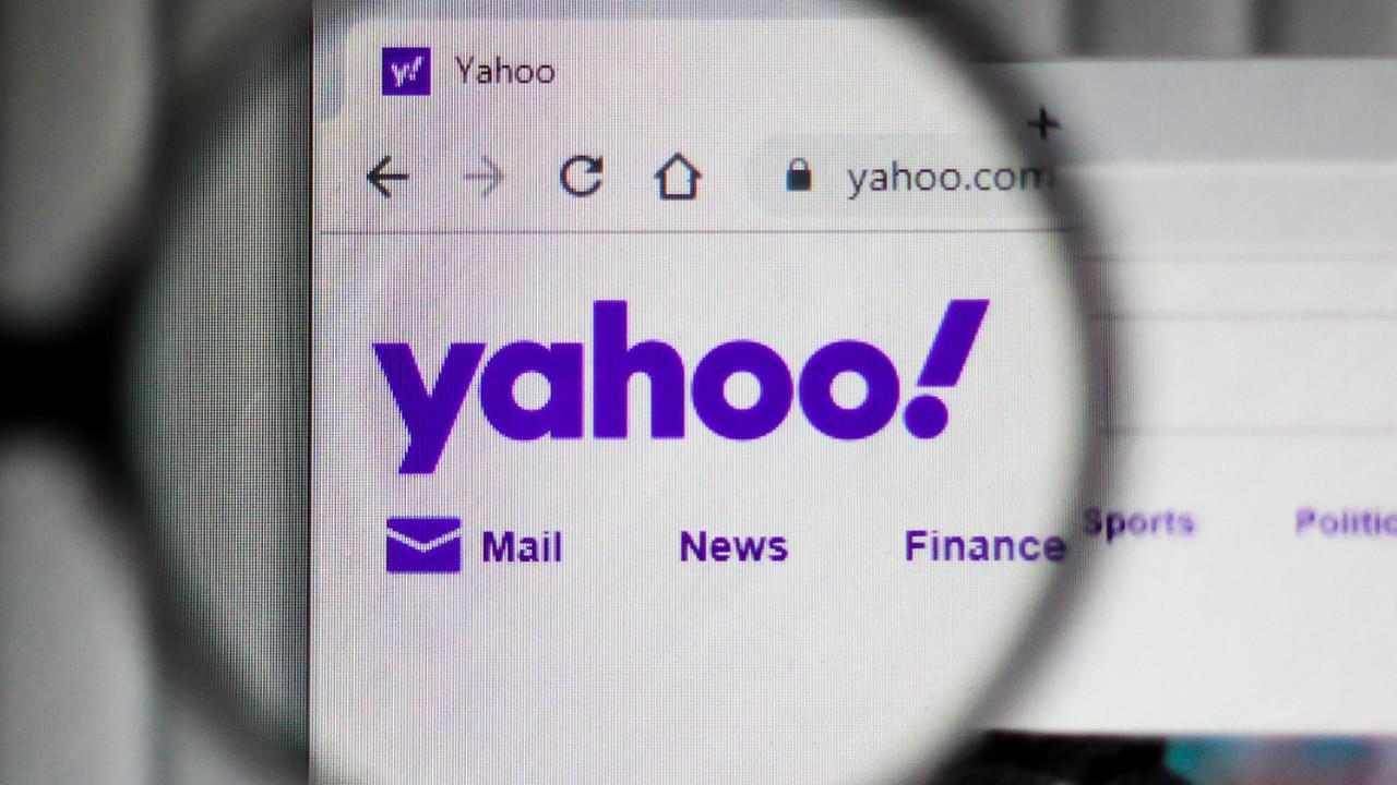 Verizon Yahoo ve AOL'u 5 milyar dolara satıyor