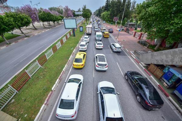 Antalya'da 'tam kapanma' denetimi; kilometrelerce araç kuyruğu oluştu - Sayfa 2
