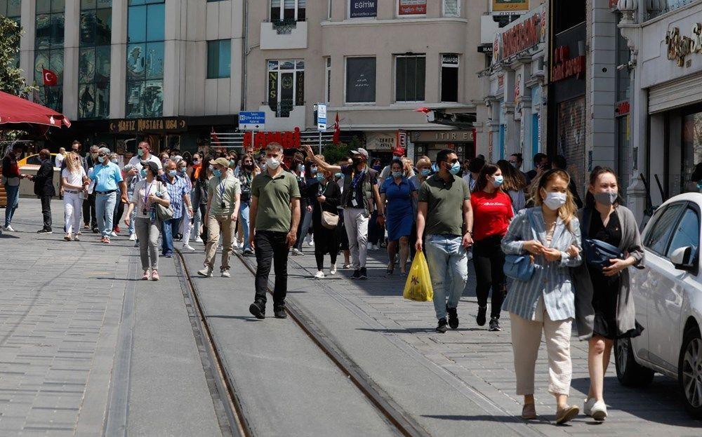 Taksim ve Eminönü'nde turist yoğunluğu - Sayfa 2