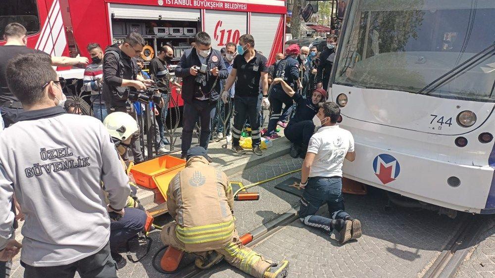 İstanbul'da bir kişi tramvayın altında kaldı - Sayfa 4