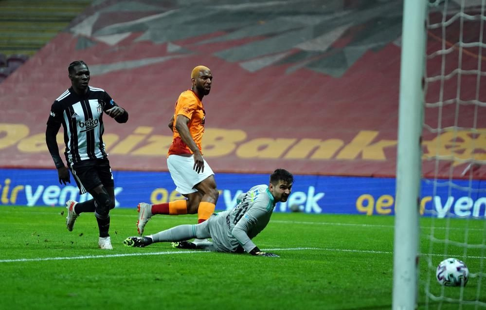 Galatasaray 3  - 1 Beşiktaş - Sayfa 4