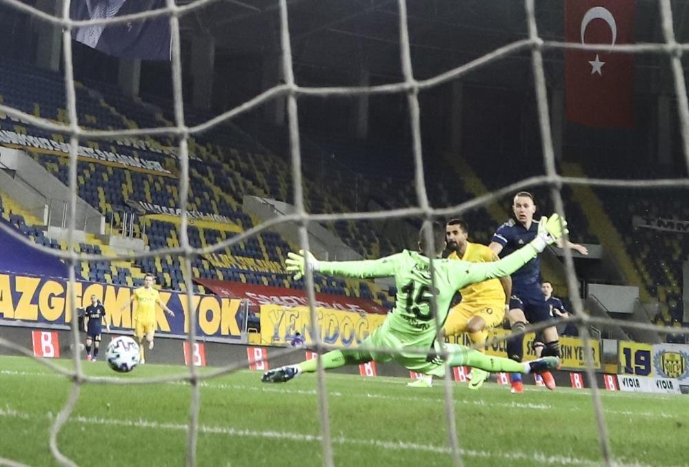 Ankaragücü: 1 - Fenerbahçe: 2 - Sayfa 4