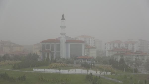 Aksaray'da 'kum fırtınası' cami minaresini yıktı - Sayfa 2