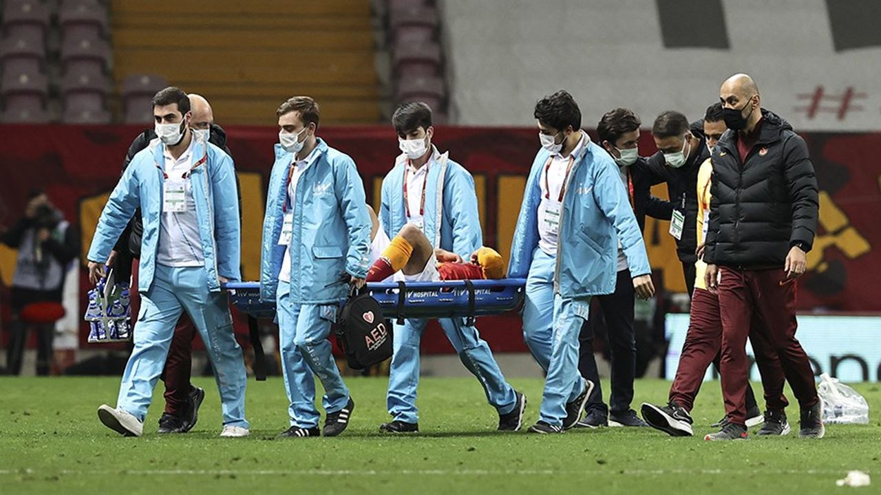 Galatasaray'da Mostafa Mohamed depremi; Sahadan sedye ile çıkarılmıştı - Sayfa 3