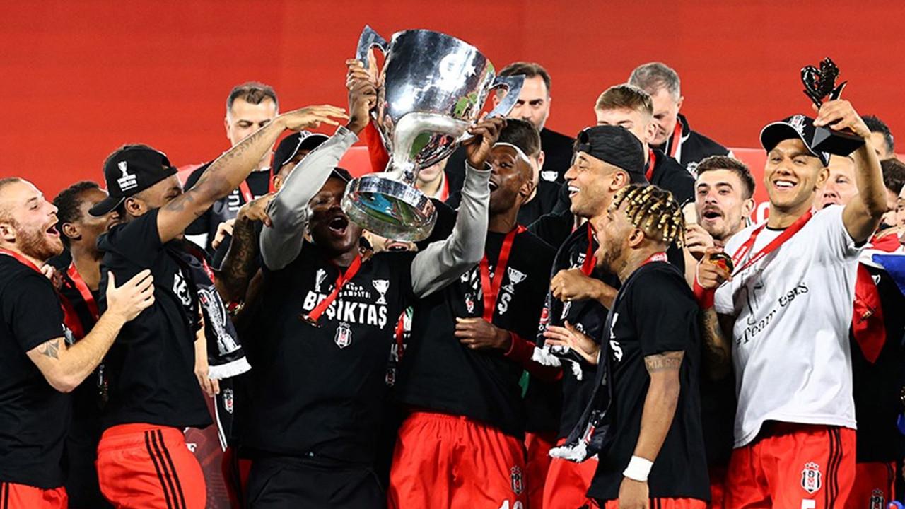 Şampiyon Beşiktaş, kupasını aldı