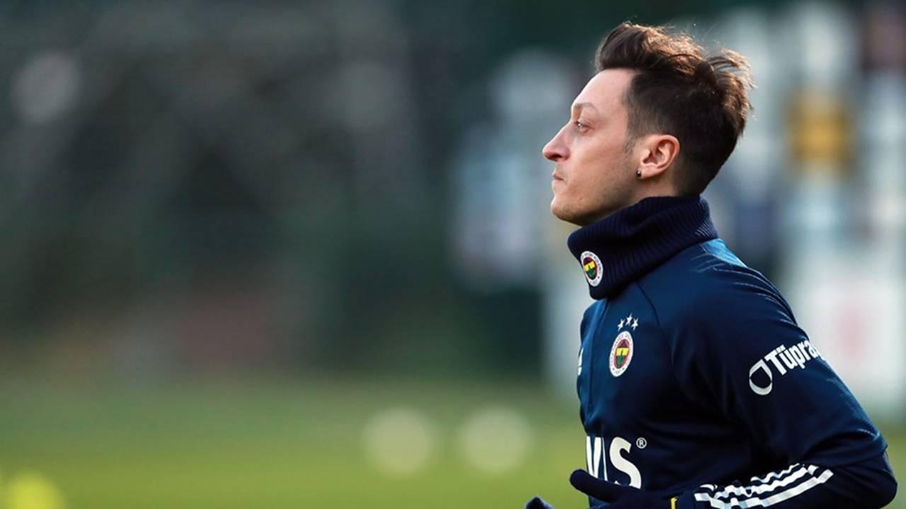 Fenerbahçe'de Mesut Özil için karar verildi! Yeni 10 numara...