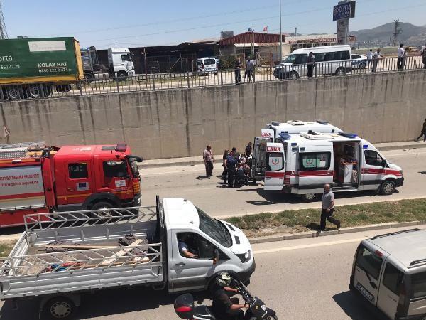 Hatay'da minibüs alt geçide düştü: 3 jandarma yaralı - Sayfa 2