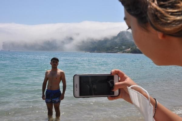 Denizdeki sis, turistleri şaşırttı - Sayfa 1
