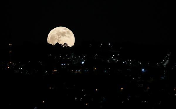Süper Kanlı Ay İstanbul semalarında; Kartpostallık kareler ortaya çıktı - Sayfa 2