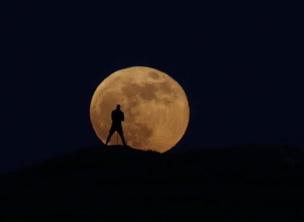 Van'da 'Süper Ay' görsel şölen oluşturdu - Sayfa 2