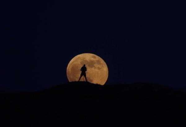 Van'da 'Süper Ay' görsel şölen oluşturdu - Sayfa 3