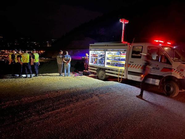 Otomobil 100 metrelik uçurumdan yuvarlandı: 1 ölü, 4 yaralı - Sayfa 3