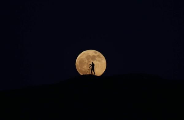 Van'da 'Süper Ay' görsel şölen oluşturdu - Sayfa 4