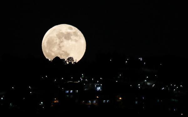 Süper Kanlı Ay İstanbul semalarında; Kartpostallık kareler ortaya çıktı - Sayfa 4