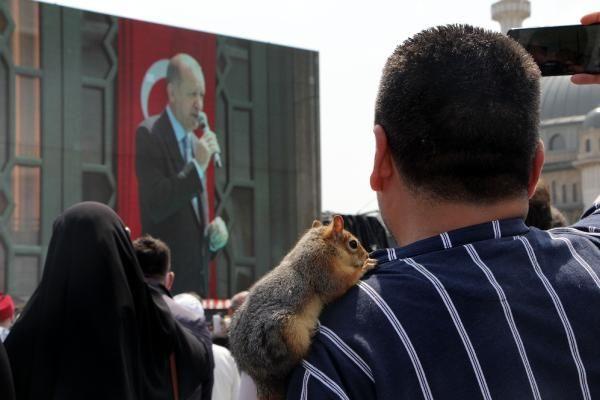 Taksim Camii açılışına sincabı ile geldi - Sayfa 1