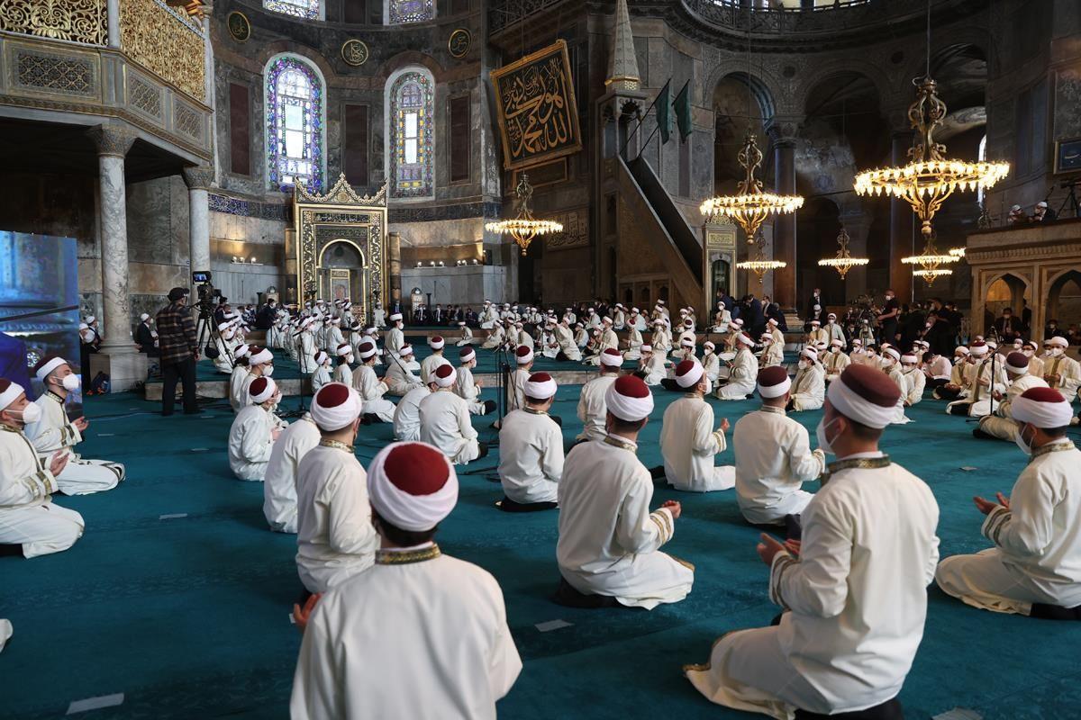 Cumhurbaşkanı Erdoğan, Ayasofya Camii'nde - Sayfa 1