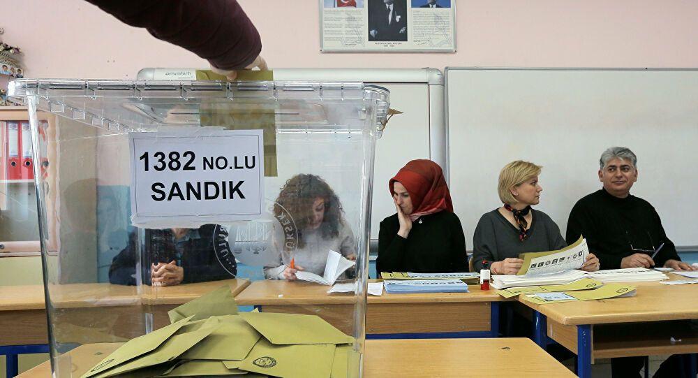 Abdulkadir Selvi: Seçim barajı düşüyor - Sayfa 3