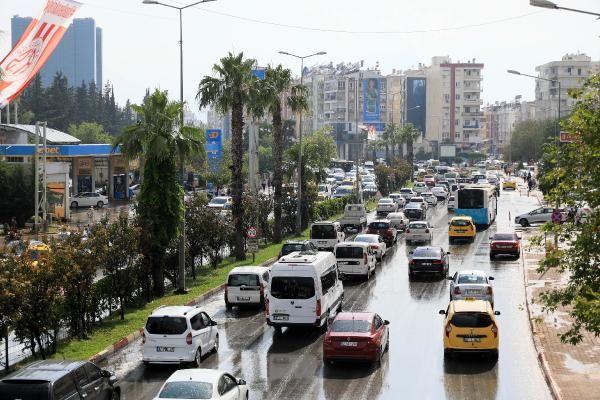 Antalya'da 5 dakika süren sağanak, trafiği felç etti - Sayfa 4