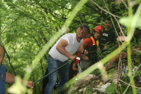 Kalede gezerken 80 metreden düşen genci kurtarmak için seferber oldular - Sayfa 1