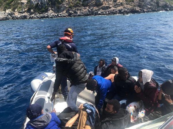 Çeşme açıklarında 74 kaçak göçmen kurtarıldı - Sayfa 3