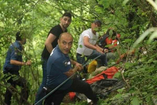 Kalede gezerken 80 metreden düşen genci kurtarmak için seferber oldular - Sayfa 3