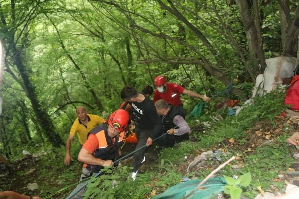 Kalede gezerken 80 metreden düşen genci kurtarmak için seferber oldular - Sayfa 4