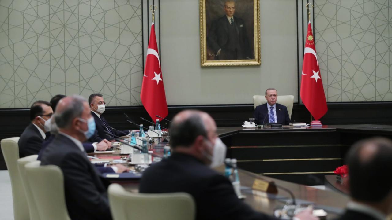 Abdulkadir Selvi MYK'da yaşanan diyalogları aktardı: Erdoğan 'Ciddiye almayın, önemsemeyin' dedi