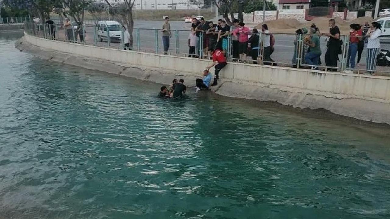 Sulama kanalına düşen minik ikizleri ecel ayırdı