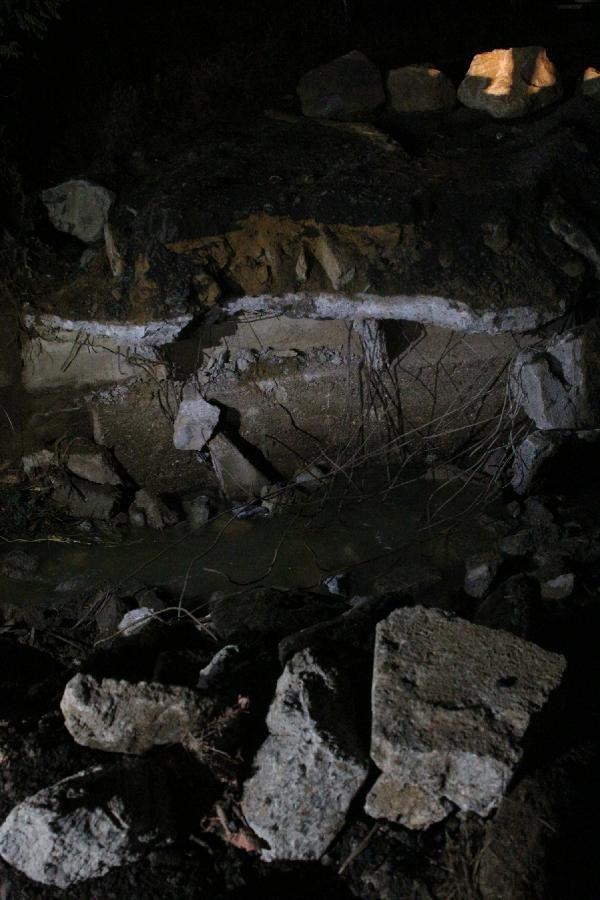 Sarıyer'de Gümüşdere Köprüsü yıkıldı - Sayfa 1