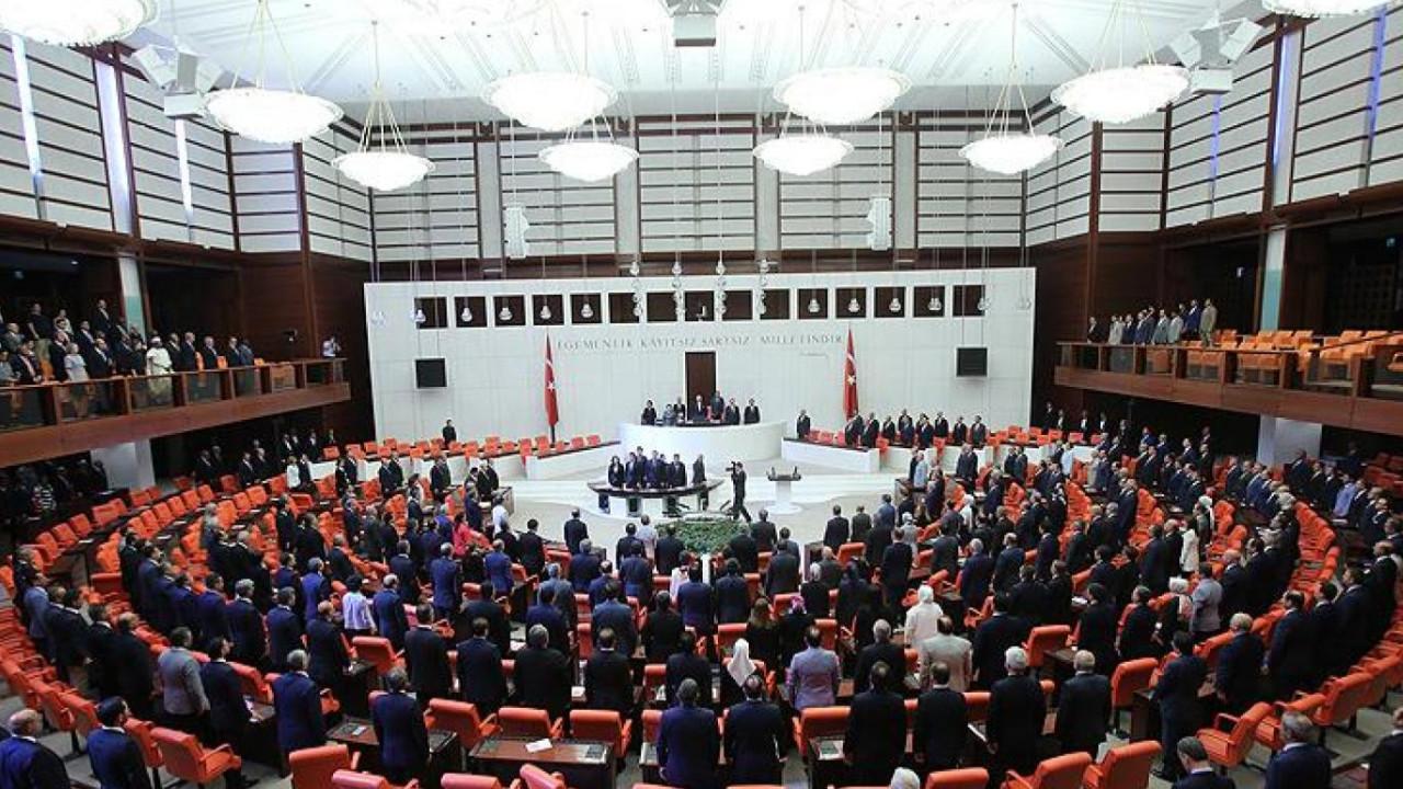 AK Parti'nin anayasa taslağının detayları belli oldu
