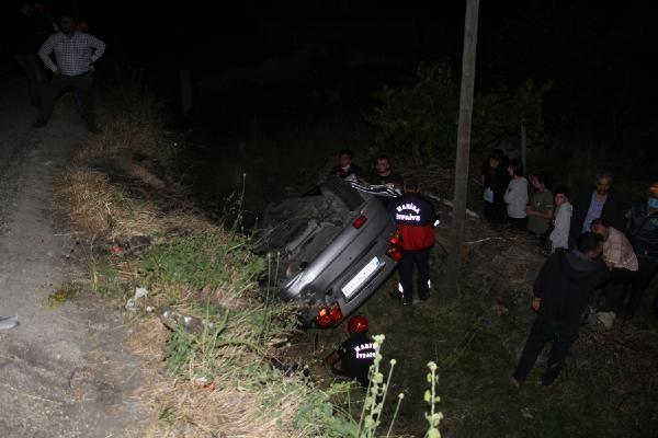 Kula'da şarampole devrilen otomobildeki 3 kişi ağır yaralandı - Sayfa 3