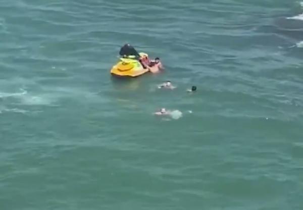 Şile'de boğulma tehlikesi geçiren 5 kişiyi itfaiye kurtardı - Sayfa 3