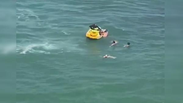 Şile'de boğulma tehlikesi geçiren 5 kişiyi itfaiye kurtardı - Sayfa 4