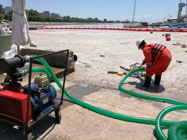 Çevre ve Şehircilik Bakanlığı ilk adımı attı; Deniz salyası temizliği başladı - Sayfa 1