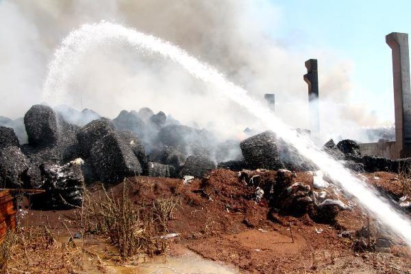 Adana'da geri dönüşüm tesisindeki yangın 12 saatte kontrol altında - Sayfa 2